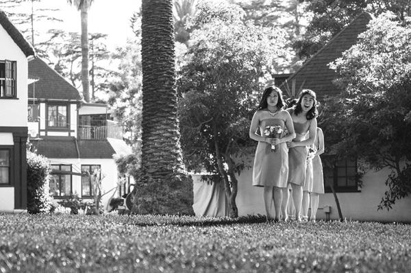 bridesmaid-peekaboo