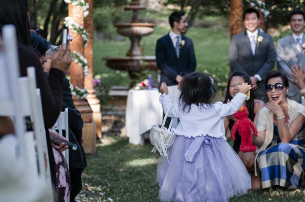 flower-girl-elmo-reunion-spokane-wedding-photographer