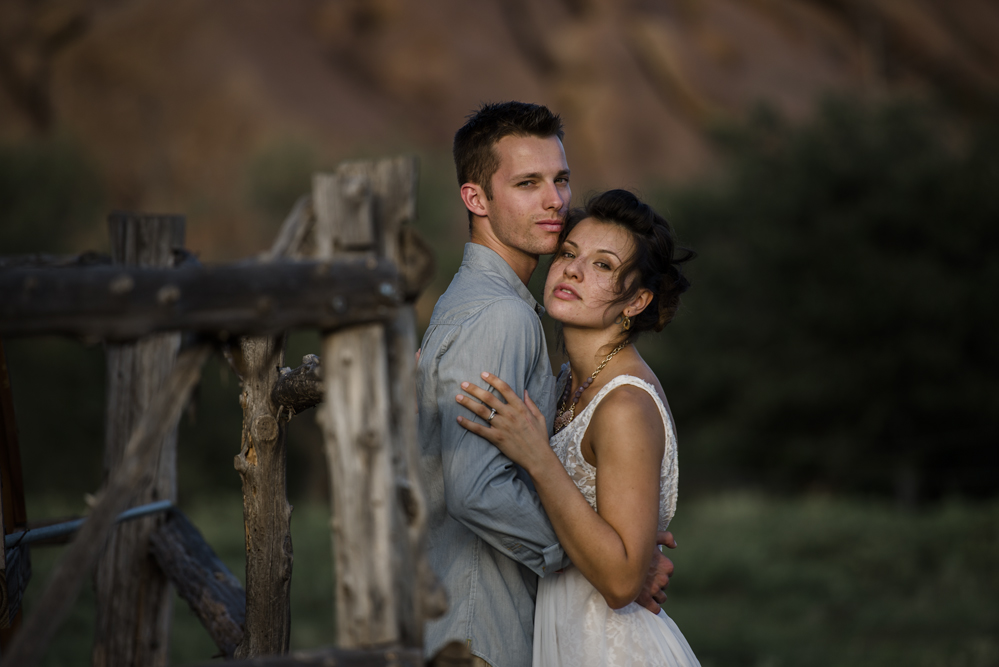 couple-editorial-pose-spokane-photographer