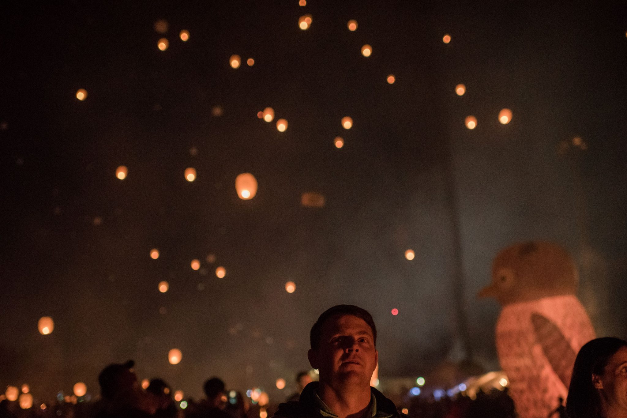 dad watching lanterns